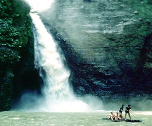 Pagsanjan falls a tourist spot in laguna photo grabbed from